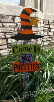 Scary Front Yard Halloween Decoration Ideas 40