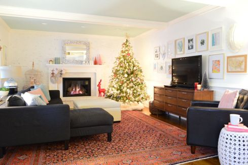 Space Saving Christmas Tree Ideas Suitable For Small Rooms 44
