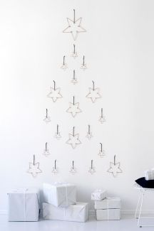 Space Saving Christmas Tree Ideas Suitable For Small Rooms 46