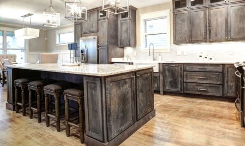 Beautiful Farmhouse Style Rustic Kitchen Cabinet Decoration Ideas 31