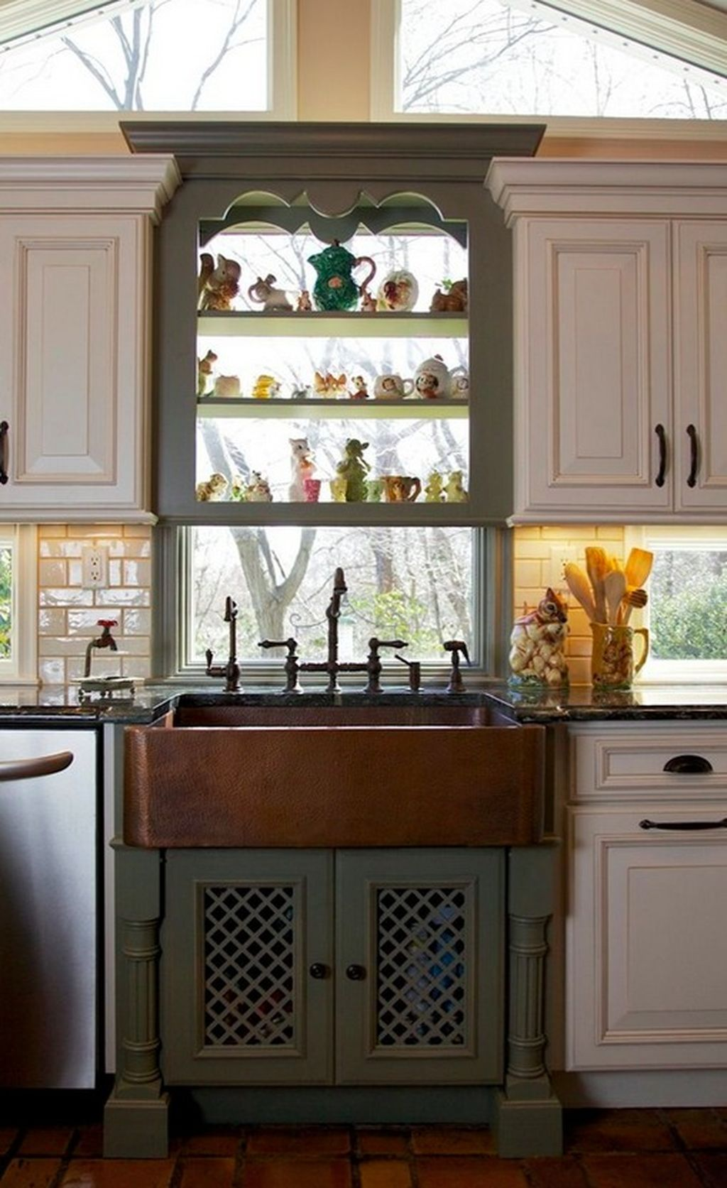 Beautiful Farmhouse Style Rustic Kitchen Cabinet Decoration Ideas 73