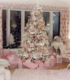 Cute And Adorable Pink Christmas Tree Decoration Ideas 11