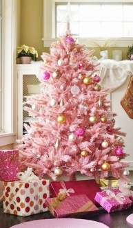 Cute And Adorable Pink Christmas Tree Decoration Ideas 14