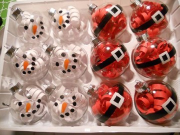 Cute And Creative Homemade Christmas Ornaments Ideas You Should Try 08
