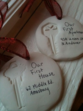 Cute And Creative Homemade Christmas Ornaments Ideas You Should Try 13