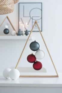 Easy And Creative DIY Christmas Tree Design Ideas You Can Try As Alternatives 10