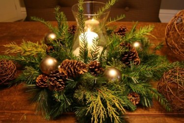 Elegant And Beautiful Tabletop Christmas Tree Centerpieces Ideas 11