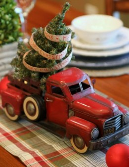 Elegant And Beautiful Tabletop Christmas Tree Centerpieces Ideas 38