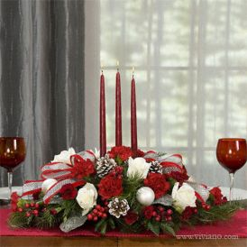 Inspiring Modern Rustic Christmas Centerpieces Ideas With Candles 40