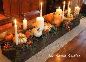 Inspiring Modern Rustic Christmas Centerpieces Ideas With Candles 85
