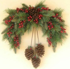Inspiring Pine Cones Christmas Decoration Ideas 19