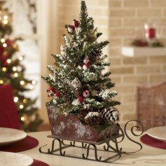 Inspiring Pine Cones Christmas Decoration Ideas 26