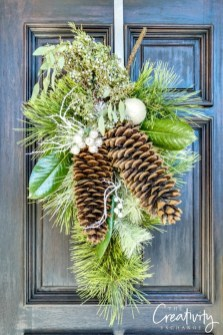 Inspiring Pine Cones Christmas Decoration Ideas 42