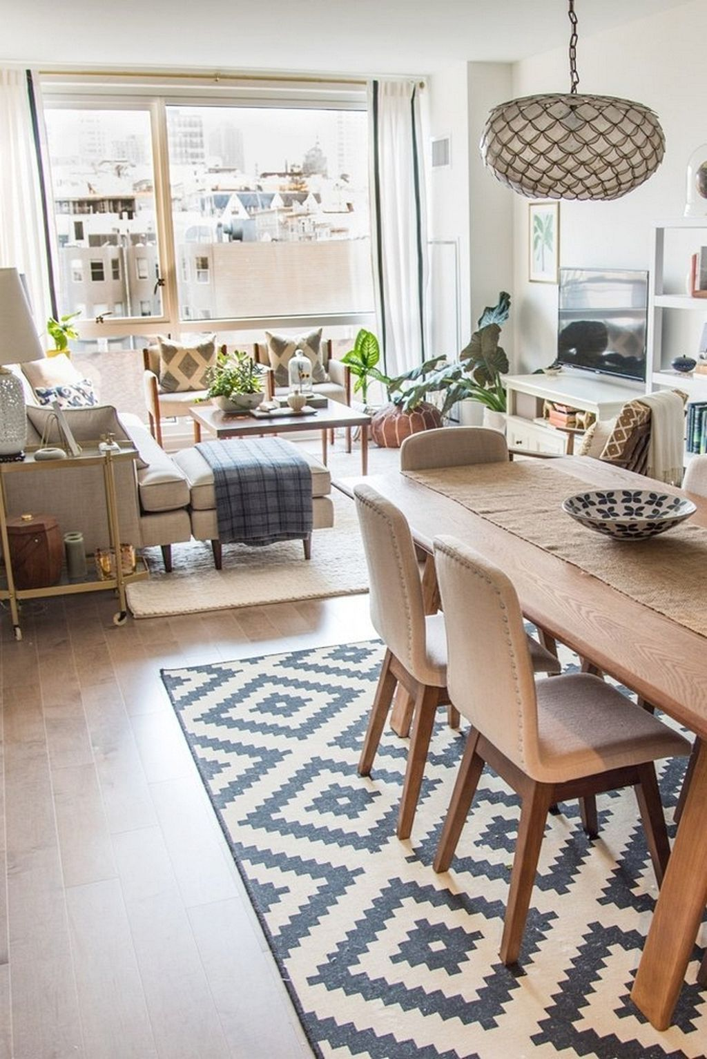 Inspiring And Affordable Decoration Ideas For Small Apartment 30