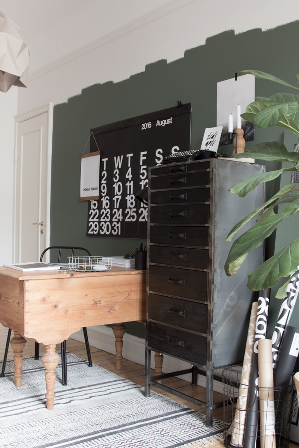 Modern And Cozy Office Interior Design Ideas To Makes You Feel Comfortable 23