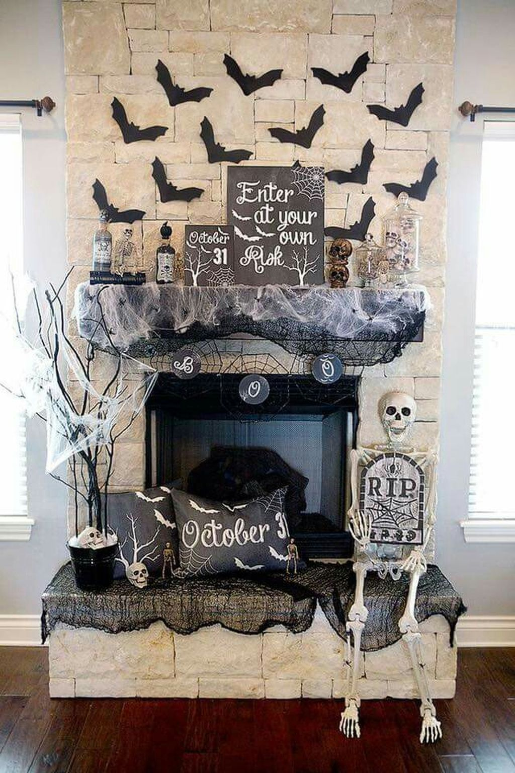 Scary But Classy Halloween Fireplace Decoration Ideas 04