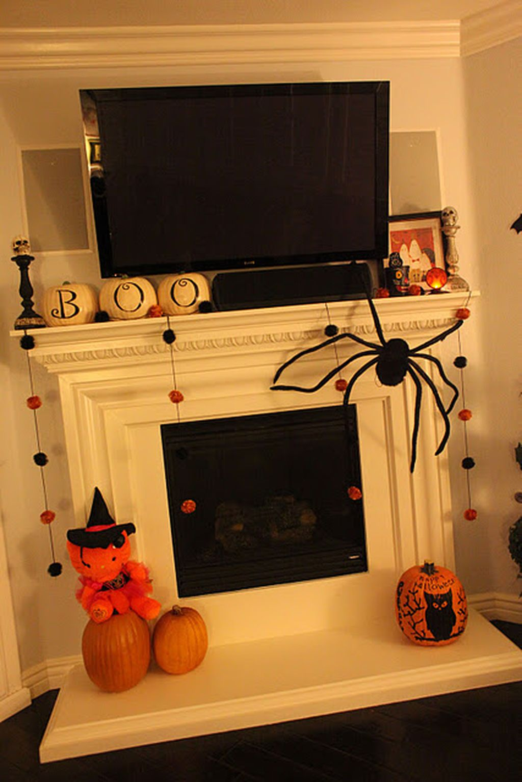 Scary But Classy Halloween Fireplace Decoration Ideas 22