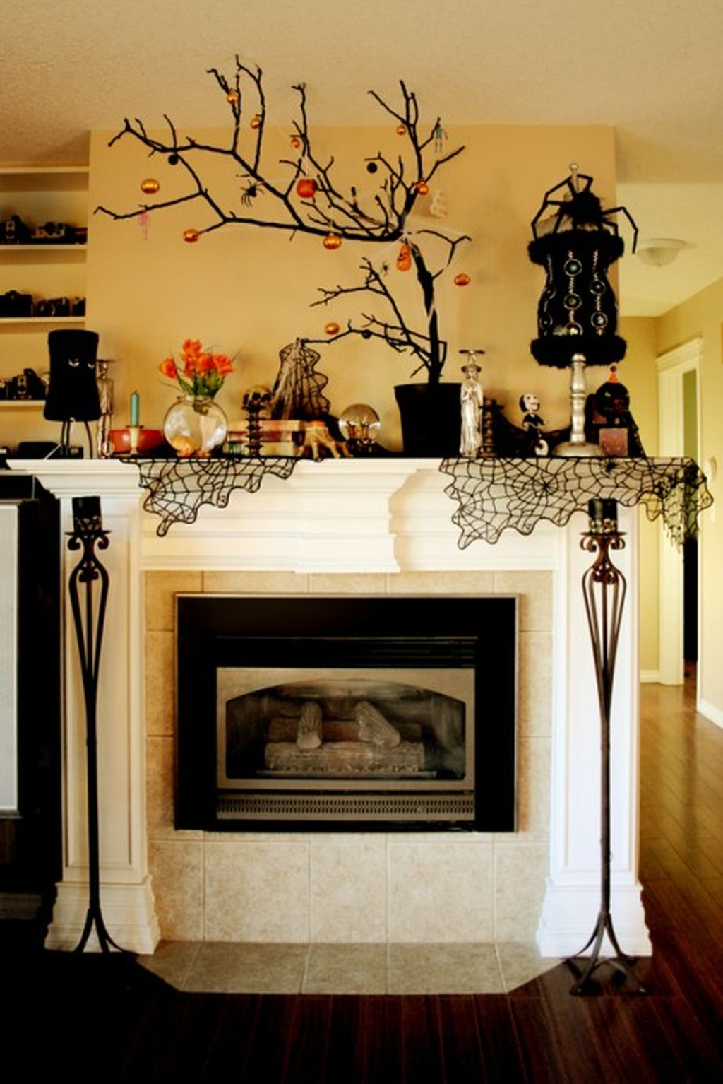 Scary But Classy Halloween Fireplace Decoration Ideas 24