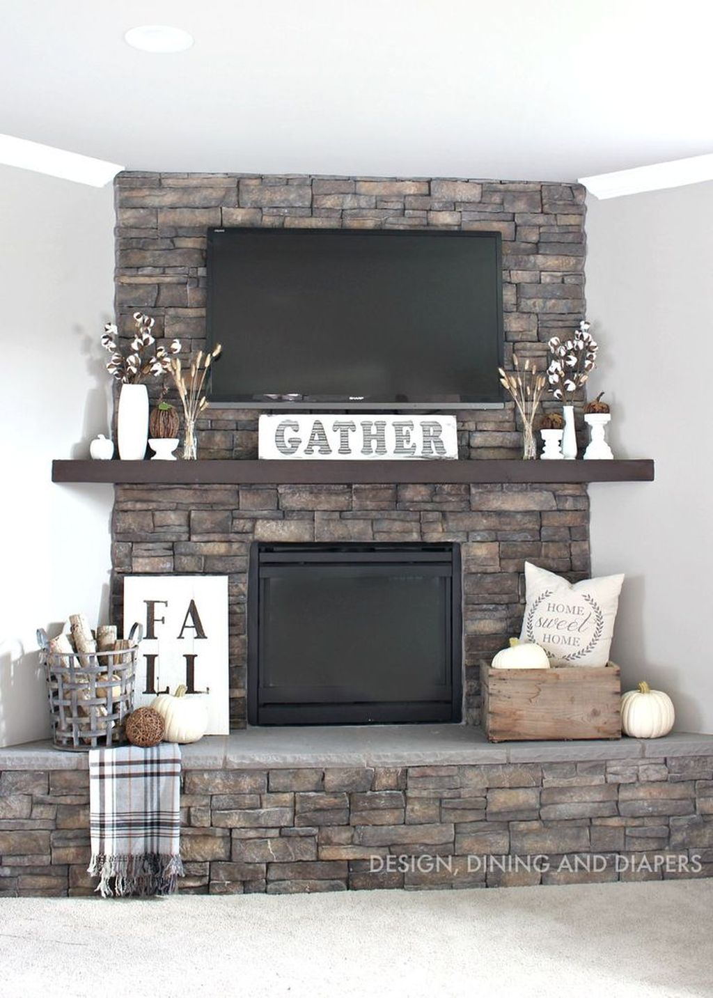 Scary But Classy Halloween Fireplace Decoration Ideas 93