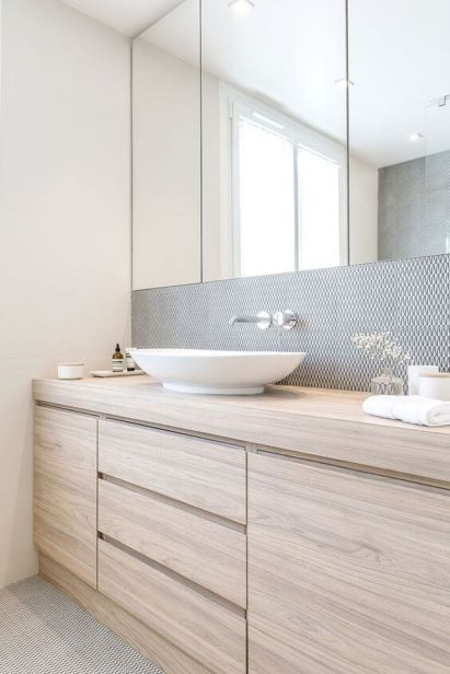Simple And Clean Apartment Bathroom Decoration Ideas Suitable For You Who Living With Roomates 37