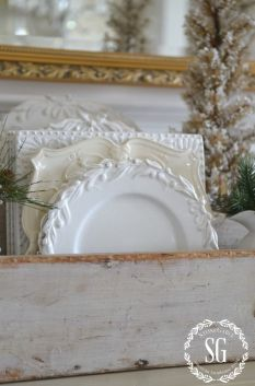 Stunning White Vintage Christmas Decoration Ideas 67