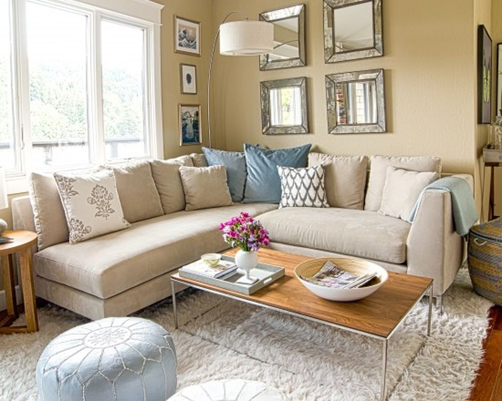 Totally Outstanding Sectional Sofa Decoration Ideas With Lamps 15
