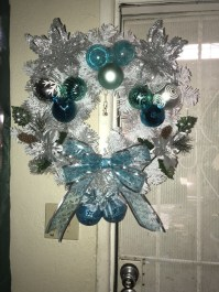 Amazing Silver And Blue Christmas Decoration Ideas For Christmas And New Year12