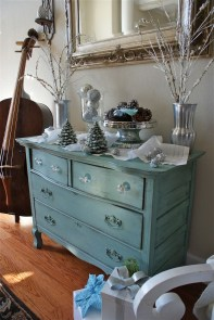 Amazing Silver And Blue Christmas Decoration Ideas For Christmas And New Year20