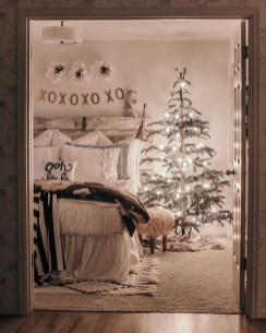 Brilliant Christmas Decoration Ideas For Small House 05
