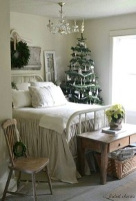 Brilliant Christmas Decoration Ideas For Small House 51