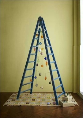 Brilliant And Inspiring Recycled Christmas Tree Decoration Ideas 06