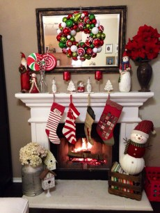 Cozy Fireplace Christmas Decoration Ideas To Makes Your Room Keep Warm03