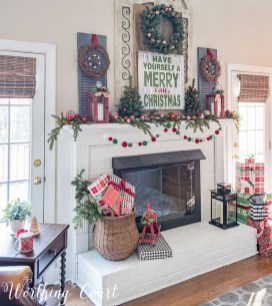 Cozy Fireplace Christmas Decoration Ideas To Makes Your Room Keep Warm05
