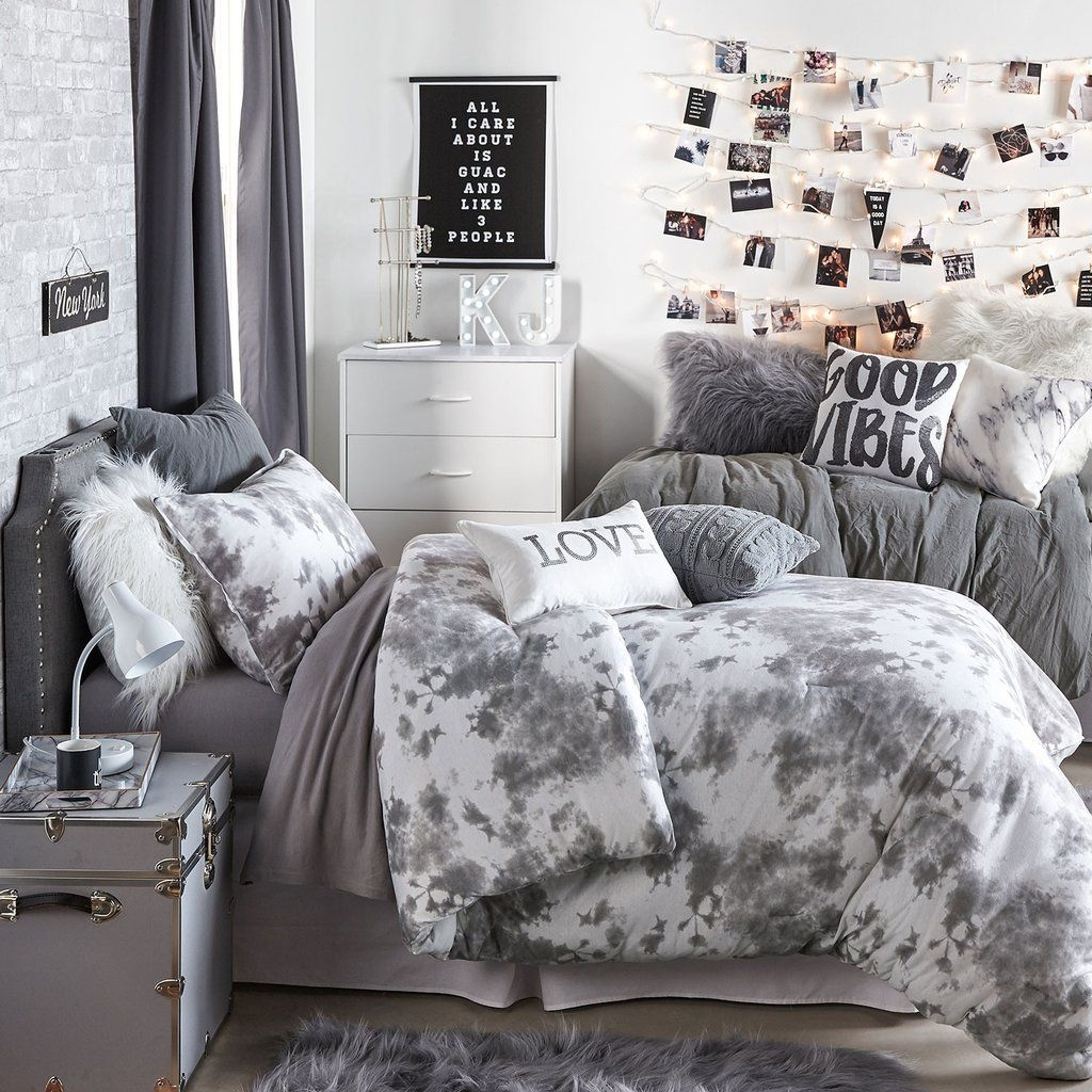 Creative And Brilliant Small Bedroom Decoration Ideas06