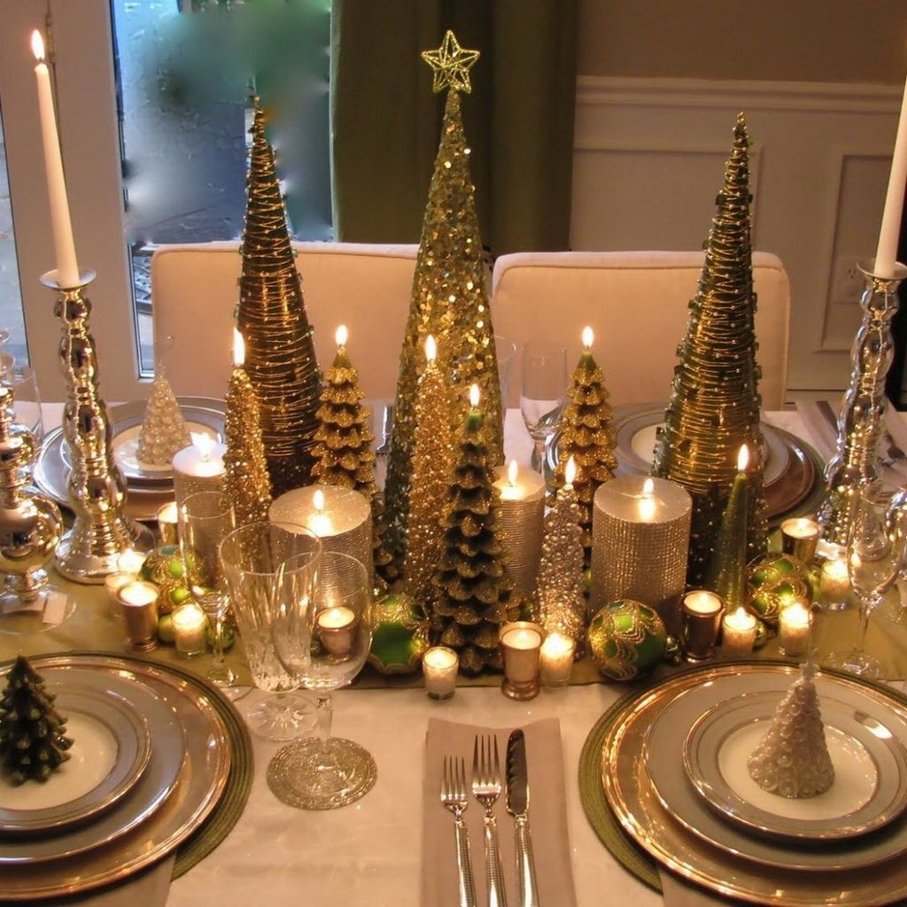 Elegant Christmas Table Decoration Ideas29