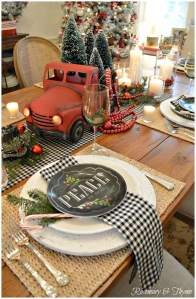 Elegant Table Christmas Decoration Ideas 02