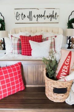 Eye Catching Rustic Christmas Decoration Ideas To Jazz Up Your Home 01
