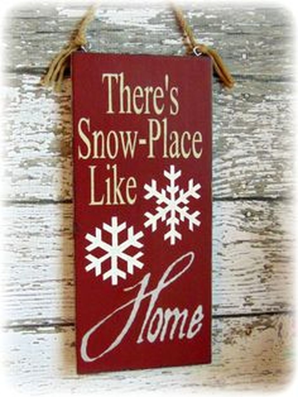 Eye Catching Rustic Christmas Decoration Ideas To Jazz Up Your Home 07