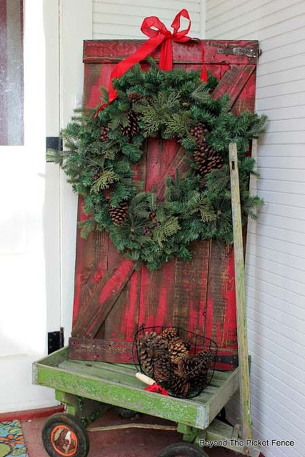Eye Catching Rustic Christmas Decoration Ideas To Jazz Up Your Home 19