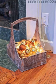 Gergerous Indoor Decoration Ideas With Christmas Lights18