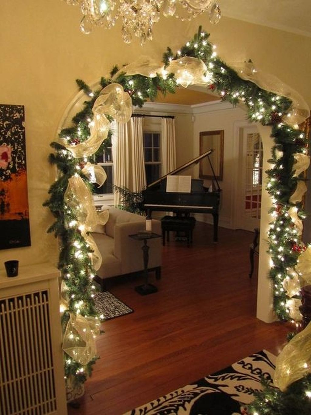 Gergerous Indoor Decoration Ideas With Christmas Lights27