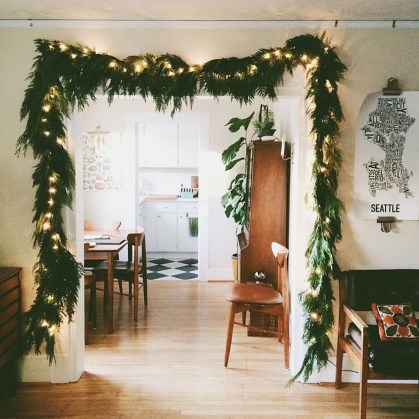 Gergerous Indoor Decoration Ideas With Christmas Lights30