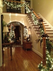 Gergerous Indoor Decoration Ideas With Christmas Lights36