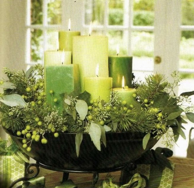 Romantic Christmas Centerpieces Ideas With Candles 17