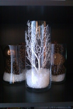 Romantic Christmas Centerpieces Ideas With Candles 23