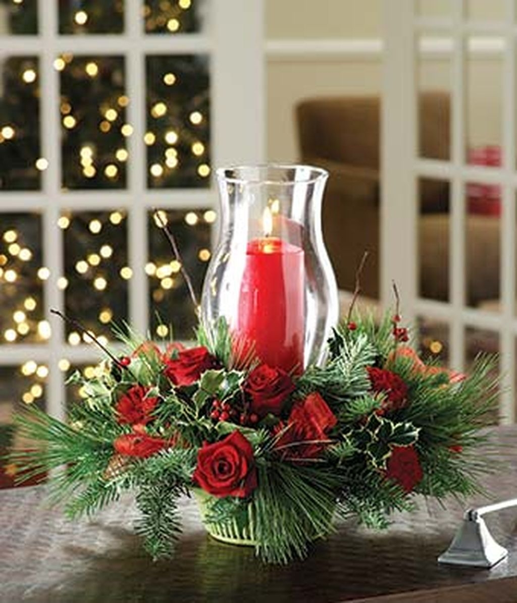 Romantic Christmas Centerpieces Ideas With Candles 32