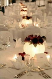 Romantic Christmas Centerpieces Ideas With Candles 33