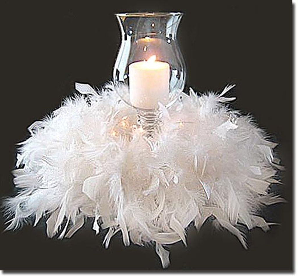 Romantic Christmas Centerpieces Ideas With Candles 34