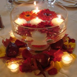Romantic Christmas Centerpieces Ideas With Candles 49
