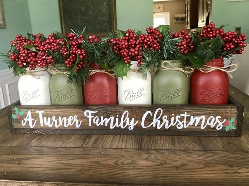 Simple And Easy Christmas Centerpieces Ideas02